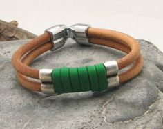 Men's leather bracelet Brown and natural leather by eliziatelye