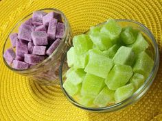Elabora tus propias gomitas ¡de los sabores que más te gustan!: Gomitas caseras de sabor uva y hierbabuena.
