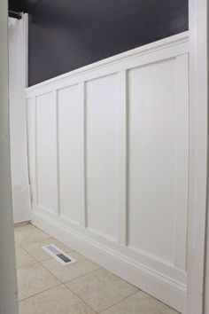 How to add board and batten to your bathroom easily and cheaply! create a modern farmhouse style bathroom with this diy board and batten wall treatment! Faux Wainscoting, Wainscoting Styles, Wainscoting Bathroom, Bathroom Cabinets, Bathroom Moulding, Dining Room Wainscoting, Bathroom Shelves, Bathroom Organization, Bathroom Furniture
