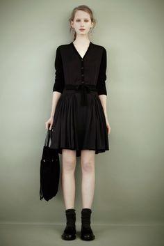 Rochas Pre-Fall 2011 Fashion Show - Kasia Wrobel