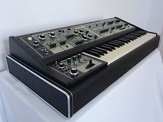 Roland SH7 Analogue Synthesizer