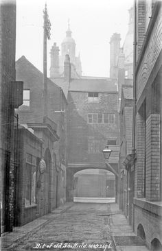 Cadman Lane looking towards Norfolk Street and Town Hall Old Pictures, Old Photos, Sources Of Iron, Sheffield England, Industrial Architecture, Places Of Interest, Derbyshire, Town Hall, Norfolk