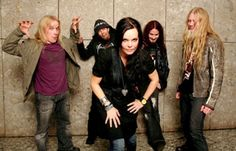 Nightwish mit neuer Sängerin Anette Olzon (Foto: Public Address)