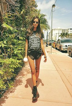 Black (by Gizele Oliveira) http://lookbook.nu/look/4763981-black