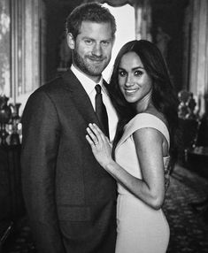 Throwback to this engagement shoot meghanmarkle duchessofsussex sussex royalfamily blackexcellence dukeandduchessofsussex prince harry and meghan markle s christmas card is so damn glamorous it hurts Prince Harry Et Meghan, Meghan Markle Prince Harry, Princess Meghan, Estilo Meghan Markle, Meghan Markle Style, Kate And Meghan, Harry And Meghan, Meghan Markle Outfits, Sussex