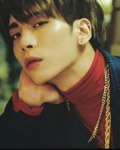 I'm staring at you and you're staring at me. I Miss You More, Shinee Jonghyun, Staring At You, Tortured Soul, Kpop Guys, Love You Forever, Korean Men, Kinky, Idol