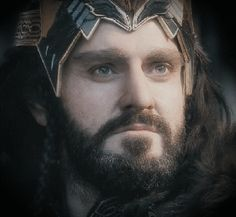 Richard Armitage as Thorin Oakenshield in The Hobbit Trilogy (gif) Thorin Oakenshield, Bilbo Baggins, Sherlock Holmes Benedict Cumberbatch, Sherlock Bbc, Sherlock Quotes, Richard Armitage, Gabriel, Lotr Trilogy, Rr Tolkien