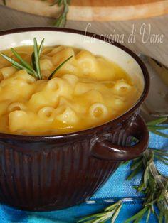 Numerous Helpful Italian Vegetarian Strategies For vegetarian italian food pasta Chowder Recipes, Soup Recipes, Cooking Recipes, Healthy Recipes, Italian Pasta Recipes, Italian Dishes, Beef Tagine, Tuscan Bean Soup, Vegetarian Italian