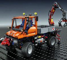 Lego Technic Mercedes-Benz Unimog U 400 (8110) Lego Technic Mercedes Benz, Mercedes Benz Unimog, Lego Unimog, Classic Mercedes, Snow Plow, Model Building, Lego Creations, Going To Work, Gadgets