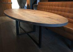 Stalen kruis on evenwijdig massief eiken ovale tafel kitchens