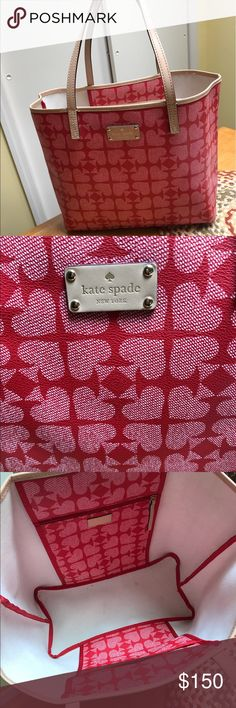 Large Kate Spade tote Large hardly used kate spade tote. Has one zip pocket inside and one pouch. Super lightweight! kate spade Bags Totes
