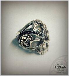 Vanpiric Ring, oxidized silver and black zircons #zbrushyjoyeria #zbrush #pixologiczbrush #pixologic #zbrushandjewelry #esculturadigital15 #joyeria3d #jewelrydesign #jewelry #3djewelry #diseñojoyas#rivasjewels #longplayjewels #aleartecasting #micron3d