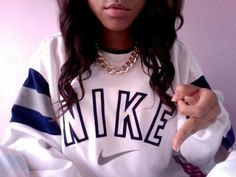 I need this sweatshirt and chain!!!!
