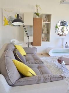 Perfet combination, confy, design and colour. #Fivesenses, #InteriorDesign, #Mobiliário, #decoração.