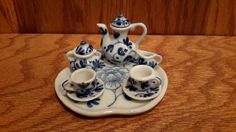 Hey, I found this really awesome Etsy listing at https://www.etsy.com/listing/218550483/blue-white-mini-tea-set