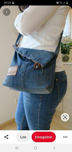 Denim Bags From Jeans, Artisanats Denim, Denim Purse, Old Jeans, Jean Purses, Denim Crafts, Patchwork Bags, Fabric Bags, Diy Clothes