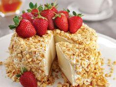 Fındıklı Ve Çilekli İrmik Pastası Tarifi - Lezzet