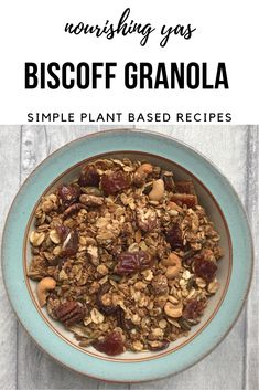 Vegan Biscoff Granola | Nourishing Yas - Simple Plant based Recipes #vegan #veganrecipes #healthyrecipes #granola #biscoff #plantbased #baking #breakfast #healthyrecipes #veganbreakfast