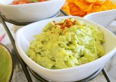 Guacamole Recipe -  Yummy this dish is very delicous. Let's make Guacamole in your home!