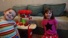 Всем привет! Вы на канале DiNa Kids, с Вами Димоша и Наташка! Мы снимаем кухню с…