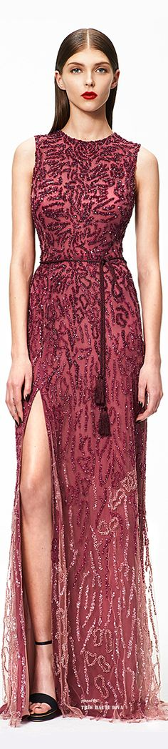 Monique Lhuillier Pre-Fall 2015  ♔ THD ♔ #Pantone Color of the Year #Marsala Lindíssimo este vestido bordado da pré temporada de outono...