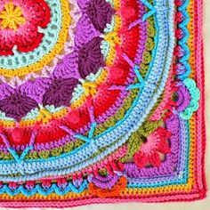 Sophie's Garden by Dedri Uys - FREE crochet pattern on ravelry, shown with Garnstudio DROPS Paris Crochet Mandala Pattern, Crochet Motifs, Crochet Circles, Crochet Blocks, Crochet Stitches Patterns, Crochet Squares, Crochet Granny, Crochet Designs, Crochet Doilies