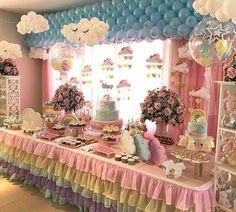 """Cris Rezende  on Instagram: """"Coisa mais linda essa inspiração de decoração para você que vai fazer uma festa com tema Chuva de Amor! Imagem @umbocadinhodeideias…"""""""