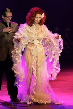 Tempest Storm still makes me horny Tempest Storm, Toronto, Inspiration Artistique, Vintage Burlesque, French Magazine, Showgirls, Women In History, Ballet Dance, Pin Up