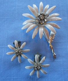 Vintage Coro White Daisy Earrings and Brooch Set - Rhinestones and Enamel #Coro