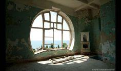 Een rond raam, voor de afwisseling.