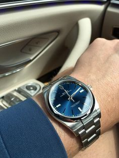 [Rolex Wife asked me to pick up some seafood on my way home - so I chose an Oyster. Rolex Watches For Men, Luxury Watches For Men, Pocket Watches, Wrist Watches, Gentleman Watch, Rolex Tudor, Luxury Watch Brands, Amazing Watches, Expensive Watches