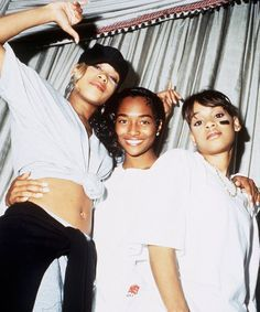 Check coming from the most recent Hip hop style and footwear apparel that makes it major on the job. Outfits Casual, Hip Hop Outfits, Hipster Outfits, New Jack Swing, Foxy Brown, Tlc Group, Girl Group, Hip Hop And R&b, 90s Hip Hop