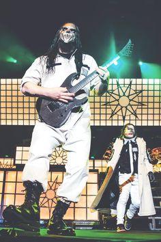 Mick Thomson, Corey Taylor, Man Go, Heavy Metal Bands, Slipknot, Korn, Doc Martens, Music Stuff, Ranger