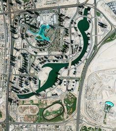 Civilization in Perspective: Capturing the World From Above,Dubai, UAE. Image Courtesy of Daily Overview. © Satellite images 2016, DigitalGlobe, Inc