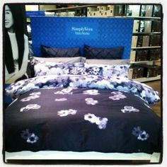 #hshomekotara #harrisscarfe #verawang #simplyvera #floral #quiltcover #bluebed