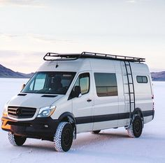Sprinter van with Aluminess gear on the White Sands - van life Mercedes Sprinter Camper, Benz Sprinter, Mercedes 4x4, Ambulance, Motorhome, White Sands National Monument, Monument National, Sprinter Van Conversion, Day Van