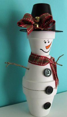 Hand-Painted Clay Pot Snowman Figurine Shelf-sitter, featuring a Handmade Bow Handbemalte Tontopf Sc Snowman Christmas Decorations, Christmas Crafts For Kids To Make, Christmas Clay, Christmas Projects, Holiday Crafts, Snowman Crafts, Snowman Ornaments, Christmas Tree, Painted Clay Pots