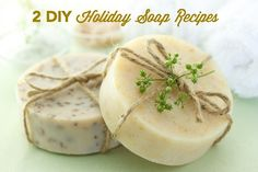 2 Recipes for Homemade Holiday Soap | If you're looking for a great DIY gift to give out this holiday season, you can't go wrong with homemade soap.