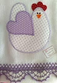 Pano de prato look at that edging ! Applique Templates, Applique Patterns, Applique Designs, Quilt Patterns, Embroidery Designs, Sewing Patterns, Applique Towels, Applique Quilts, Embroidery Applique