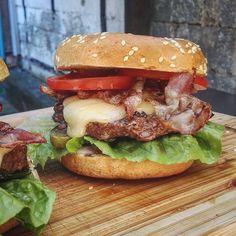 Grilled Cheeseburgers for lunch.  - #cheeseburger #burger #bacon #homemade #foodblogger_de #foodpics #foodlove #eatclean #snack #instalove #eatingfortheinsta #foodism #f52grams #foodshare #tasty #burger #baking #dinner #lunch #breakfast #instagood #food #instafood #baconzumsteak #beef #meat