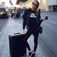 Romee Strijd at the Prat Airport in Barcelona. With a rimowa suitcase. LOVE IT