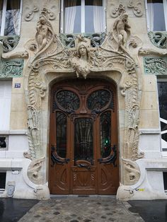 Doorway of 29 Avenue Rapp, 7th arrondissement, a stunning art nouveau apartment building designed by Jules Lavirotte and built in 1901.Three times winner of the City of Paris facade design award, Lavirotte's style was extremely flamboyant - until 1907 when he abandoned art nouveau to work in other styles. The doorway has been described as an inverted phallus!  Lavirotte owned the building in partnership with one Charles Combes and lived on the 5th floor of 3 Square Rapp, just around the…