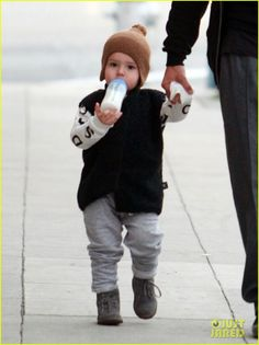 Orlando Bloom: Christmas Shopping with Flynn!