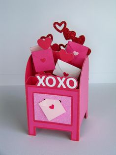 With Glittering Eyes: Happy Valentine's Day! Unique Valentine Box Ideas, Valentine Day Boxes, Happy Valentines Day, Homemade Valentine Cards, Diy Mailbox, Explosion Box, Pop Up Cards, Happy Day, Christmas Holidays