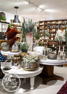 Oliver and rust because it is shop o' in 2019 дом, уютный дом, магазины Gift Shop Displays, Market Displays, Shop Window Displays, Merchandising Displays, Store Displays, Display Window, Retail Displays, Retail Store Design, Modern Bathrooms