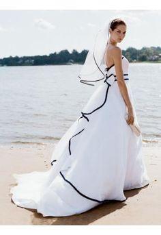 Robe de mariée plage noir et blanc avec voile