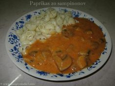 Paprikáš z hlivy ústricovej Thai Red Curry, Food And Drink, Snacks, Meals, Ethnic Recipes, Red Peppers, Recipes, Appetizers, Meal