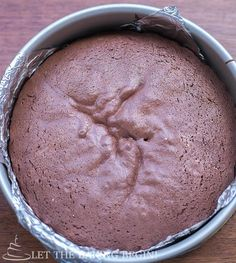 Chocolate Sponge Cake - Fluffy, moist and perfectly leveled – this sponge cake recipe is the one to have as it works every time. Sweet Desserts, Just Desserts, Sweet Recipes, Easy Recipes, Muffins, Cupcake Cakes, Cupcakes, Chocolate Sponge Cake, Chocolate Cakes