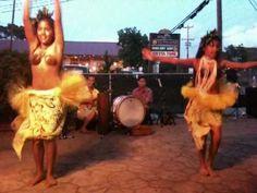 Children Hula Dancing in Paia, Maui - YouTube