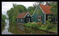 Beautiful house in Westzaan (near Amsterdam) by Dennis Koomen, via Flickr